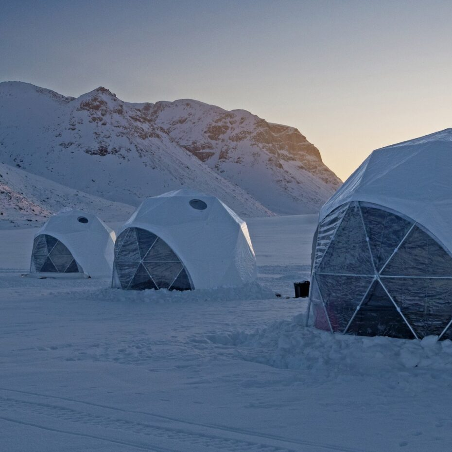 NO PROBLEMS, ONLY CHALLENGES: CONSTRUCTING BASECAMP BAFFIN